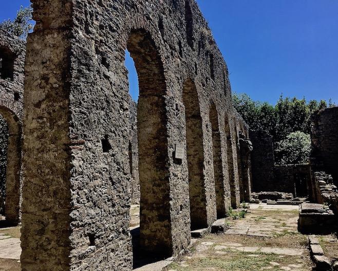 dreischiffige Große Basilika Butrint Albanien