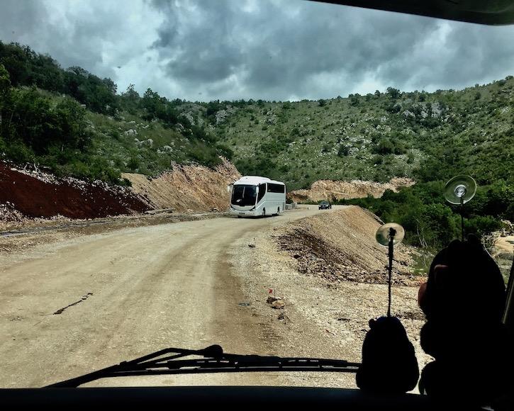 es soll besser werden Straße in Montenegro