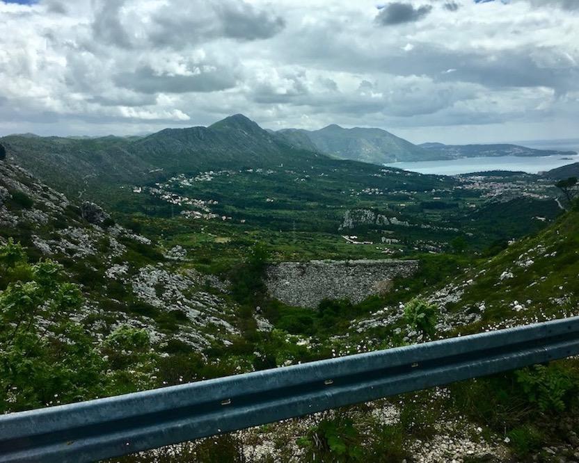 ins Gebirge hinter Dubrovnik Kroatien