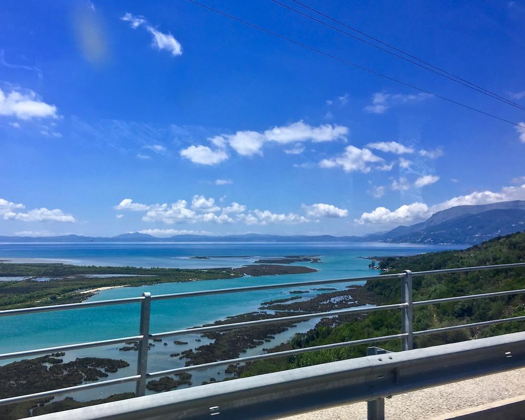 mit dem Bus nach Butrint Albanien