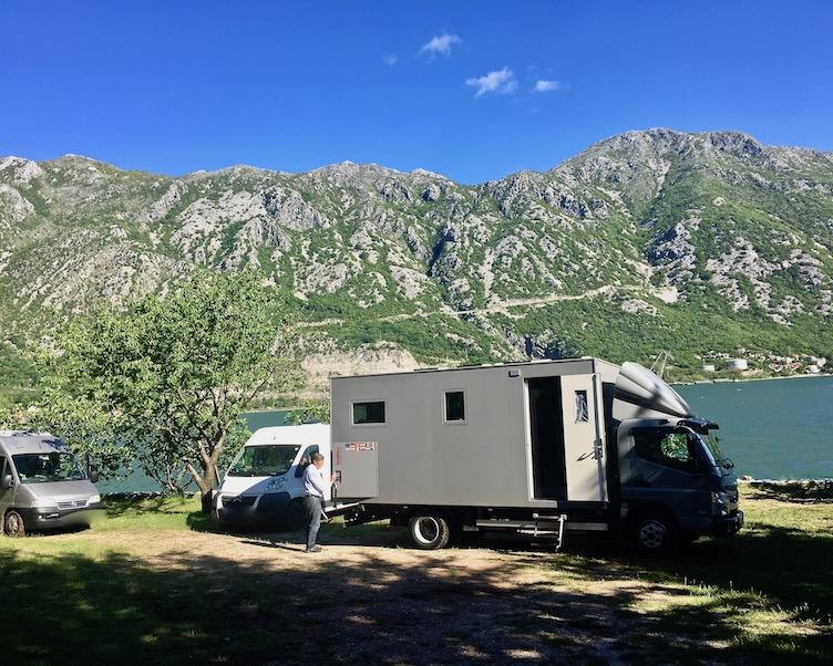 Wohnmobilstellplatz mole-on-tour auf dem Autocamp Todorovic in Kostanjica Kotor-Bucht Montenegro
