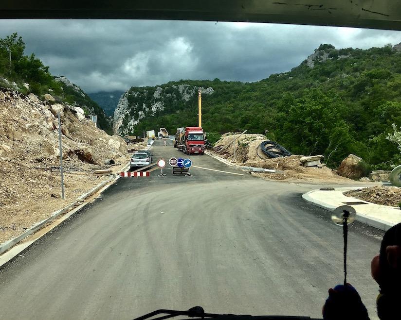 wieder runter auf die alte Straße in Montenegro