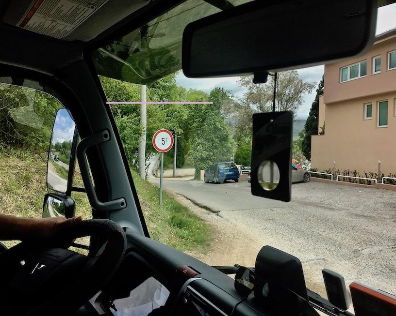 zu kleiner Weg an der Buna
