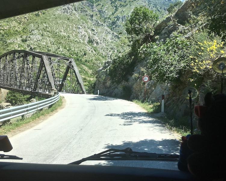 Brücke bei Dragot über den Vjosa Albanien
