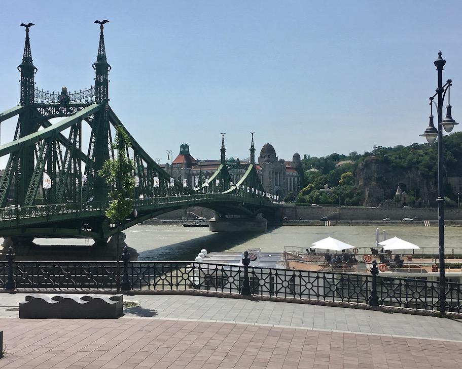 Freiheitsbrücke in Budapest Ungarn