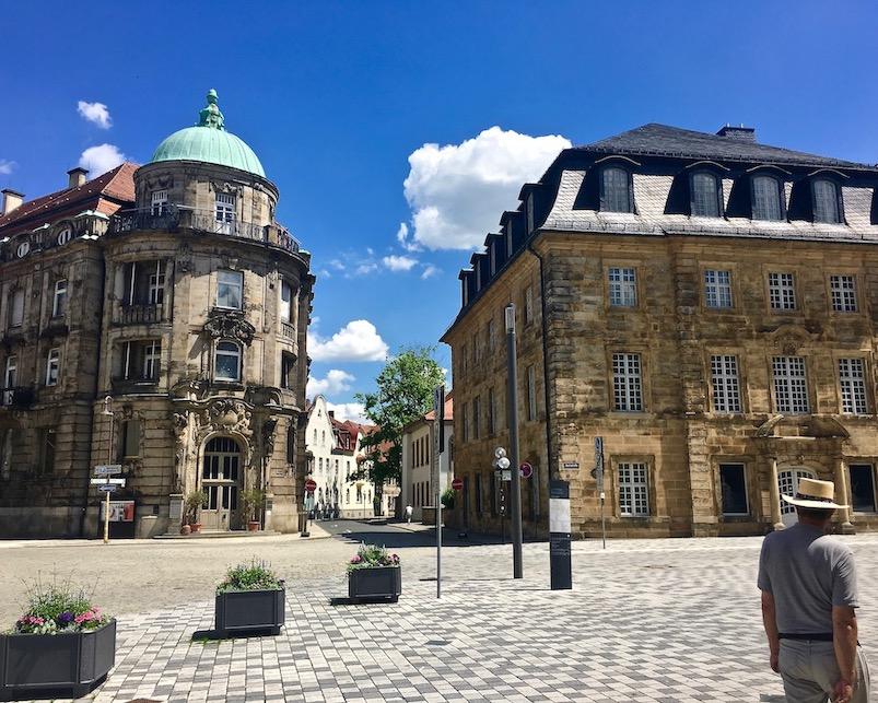 Stadt Bayreuth Altstadt UNESCO-Weltkulturerbe Markgräfliches Opernhaus Iwalewa Haus und Redoutenhaus Bayreuth Deutschland