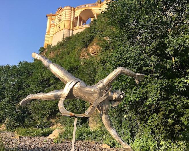 Kloster Melk Benediktinerstift Melk UNESCO-Weltkulturerbe Wachau Österreich Kunst am Fuße von Kloster Melk Österreich