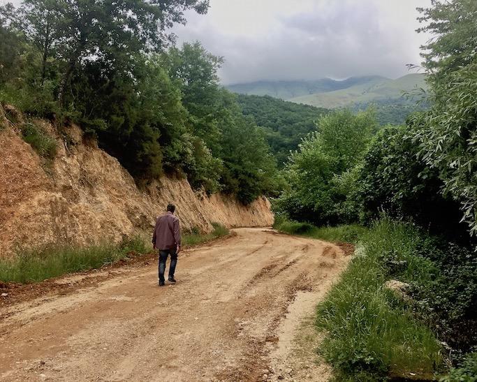 Syri I Kalter Das blaue Auge eine Karstquelle in Albanien Neuer Weg zum Syri i Kalter Blaues Auge Albanien