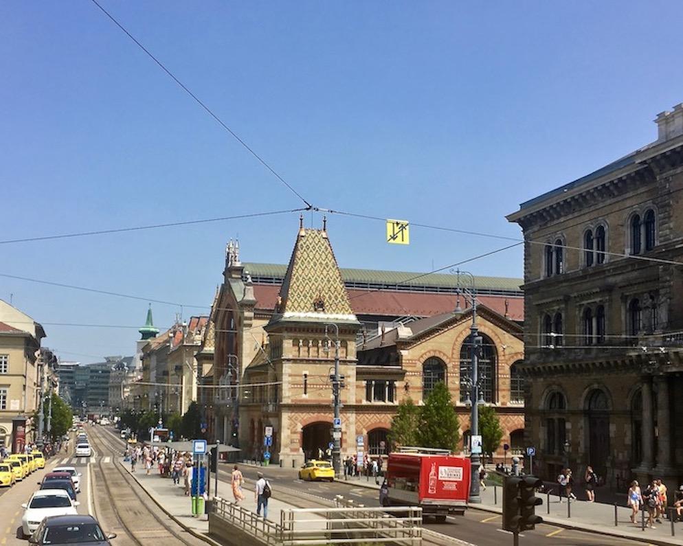 Neugotische Markthalle Budapest Ungarn