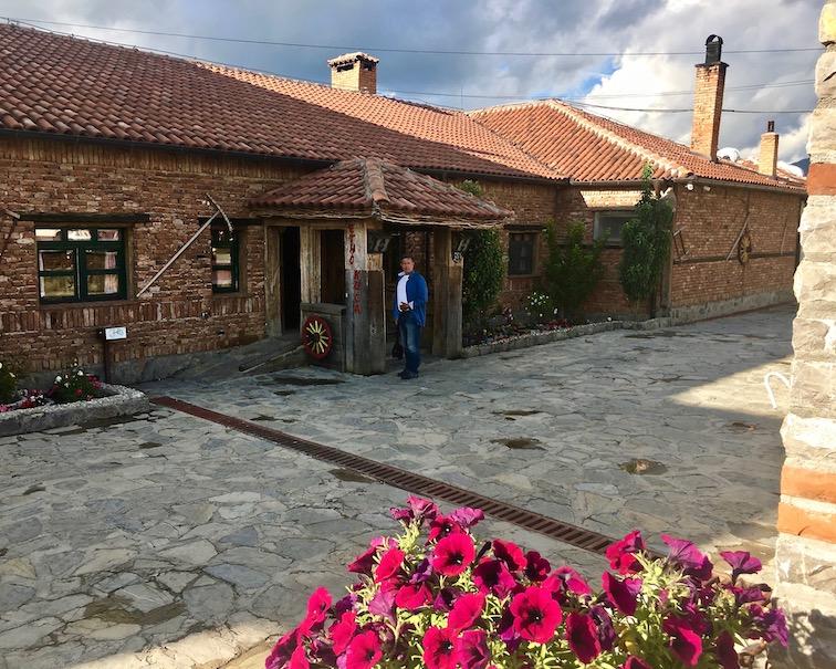 Restoran Etno House in Gracanica Kosovo