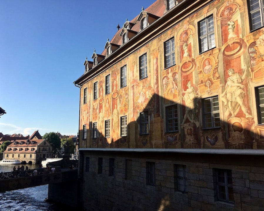 Bamberg Altstadt UNESCO-Weltkulturerbe Altes Rathaus Fasadenmalerei Wandmalereien Altes-Rathaus Bamberg Deuschland