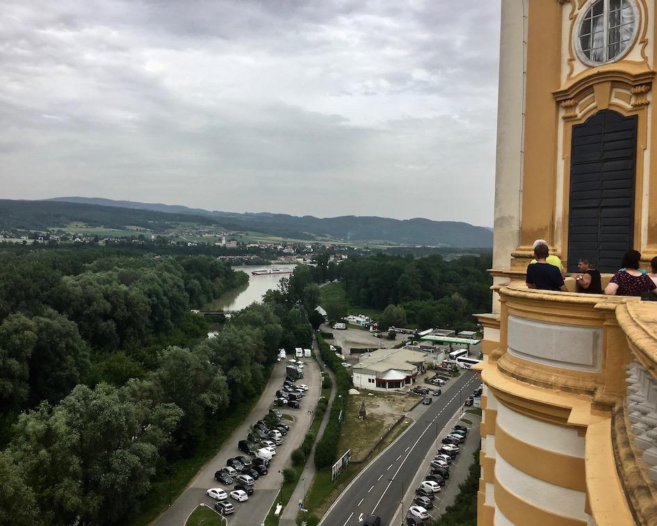 Kloster Melk Benediktinerstift Melk UNESCO-Weltkulturerbe Wachau Österreich Wohnmobile-Stellplatz in Melk von oben