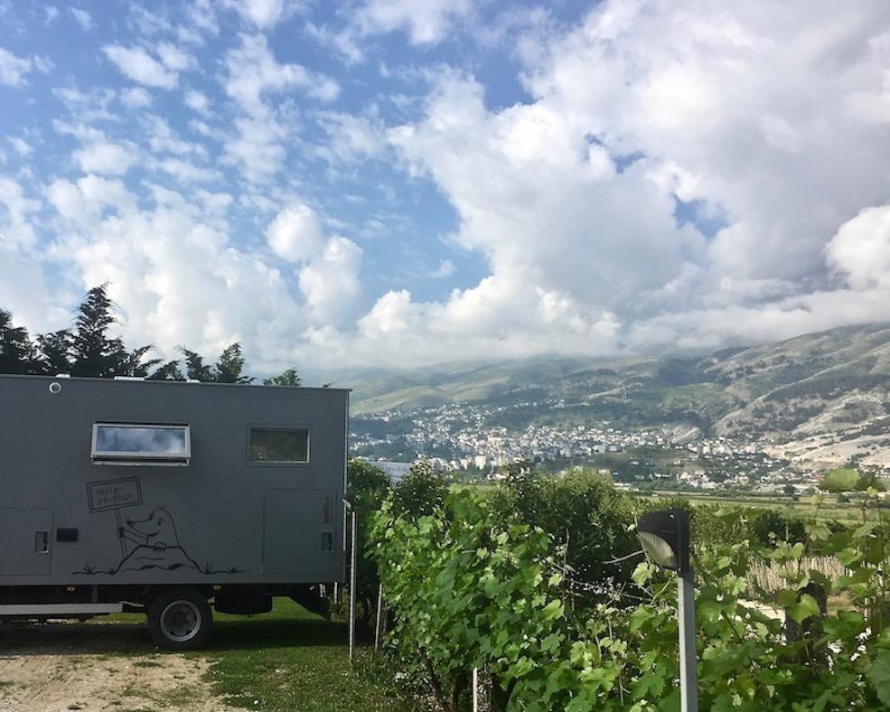 Gjirokastra UNESCO-Weltkulturerbe Albanien mole-on-tour am Wohnmobil-Stellplatz Camping-Gjirokaster in Gjirokaster Albanien