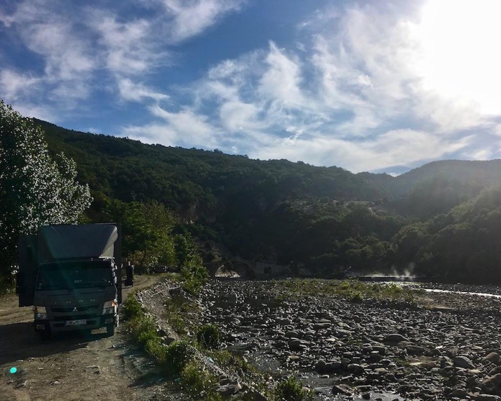 mole-on-tour Wohnmobile-Stellplatz bei den heißen Quellen in Benja Heiße-Quellen Thermal Baths Permet Lengarica Albanien Benje, Albanien