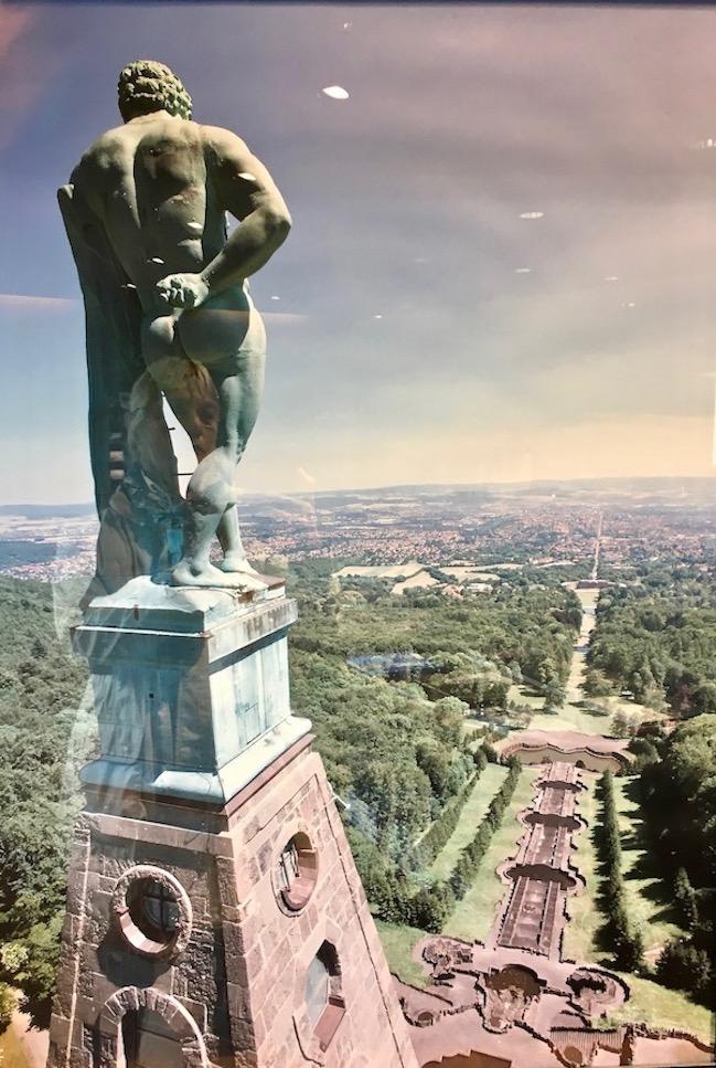 Bergpark Wilhelmshöhe Herkules schaut auf Kassel