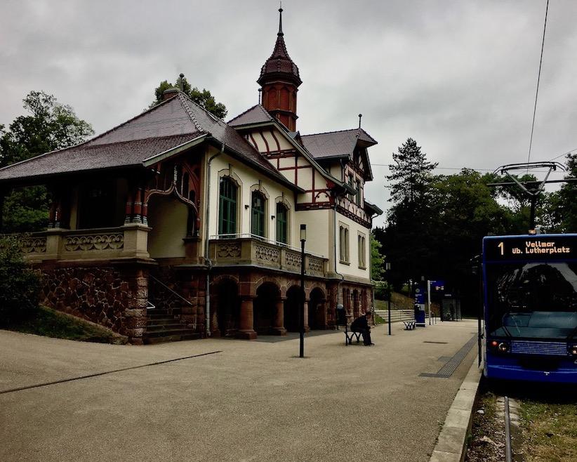 Endhaltestelle Bahnhof Bergpark Wilhelmshöhe Kassel