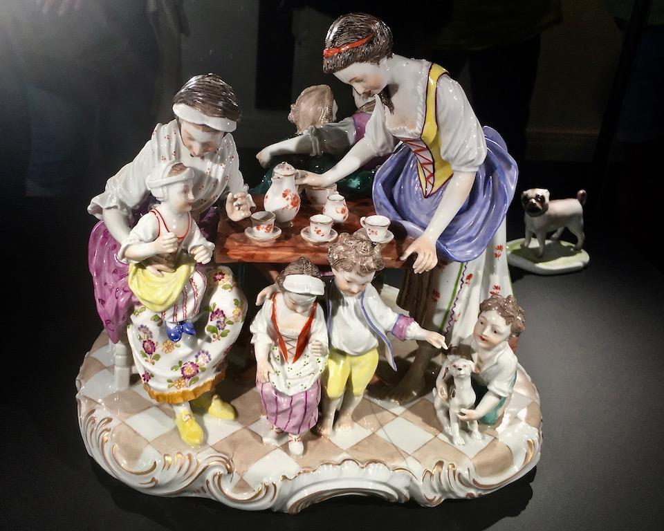 Fürstenberg-Porzellan-Manufaktur Porzellan-Figur die Kaffeegesellschaft