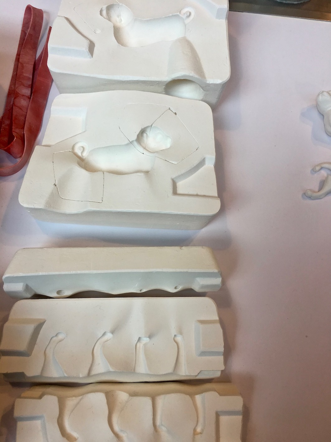 Fürstenberg-Porzellan-Manufaktur  Deutschland Herstellung der Gussform Mopsfigur
