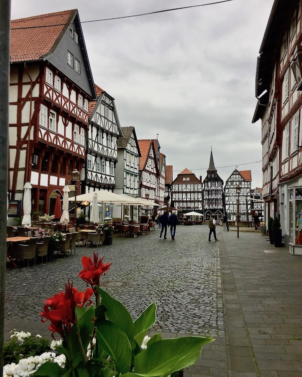 Fritzlar Deutschland Marktplatz mit Fachwerkhäusern