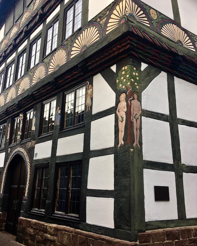 Höxter Deutschland Fachwerkhaus Adam-und-Eva auf dem Eckständer