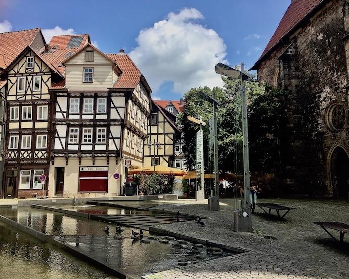 Hann.Münden Deutschland Expo-Wasserspiele zwischen Fachwerkhäusern