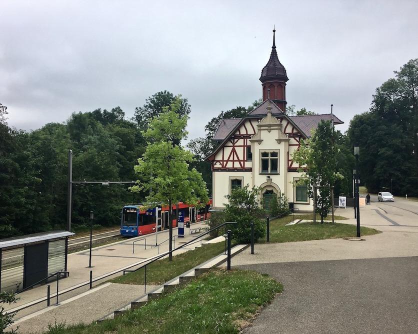 Kassel Wilhelmshöhe Straßenbahnhaltestelle Bergpark