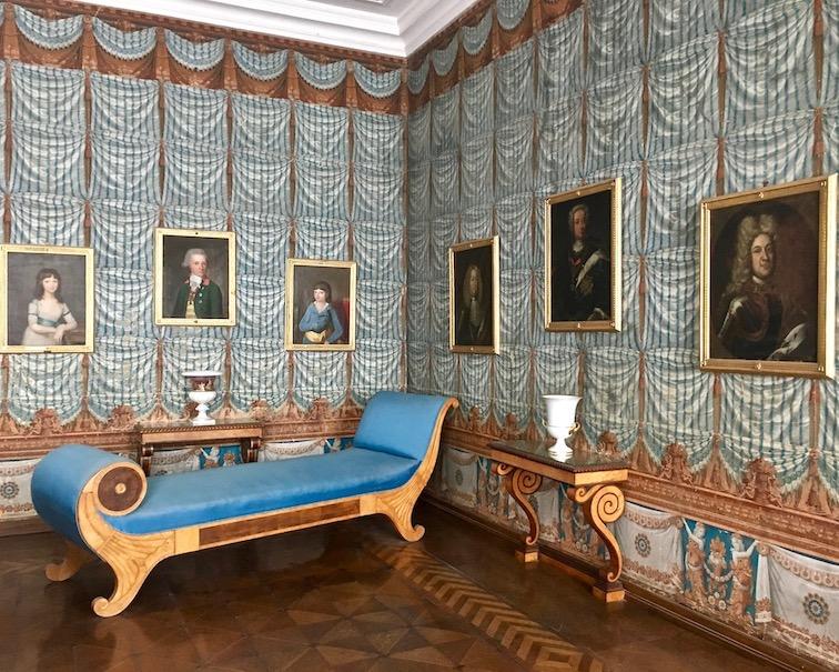 Kloster Corvey Höxter Recamiere im Blauen-Salon