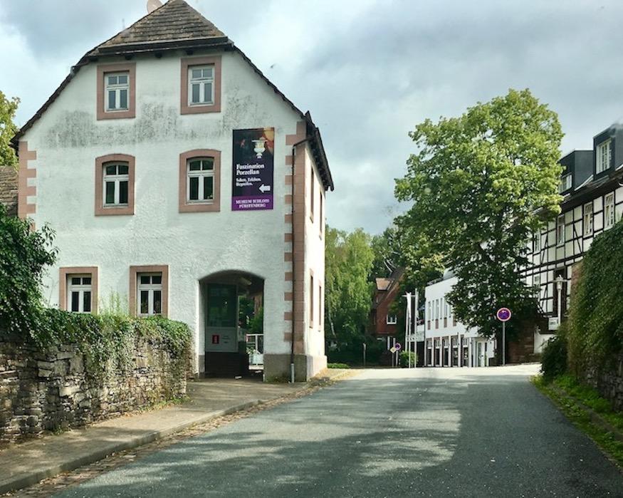 Schloss Fürstenberg/Weser Niedersachsen-Deutschland  Porzellanmuseum Ankunft