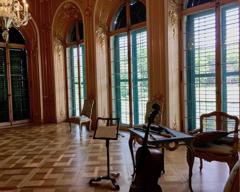 Schloss Wilhelmsthal Calden Erker im Rokoko-Ballsaal