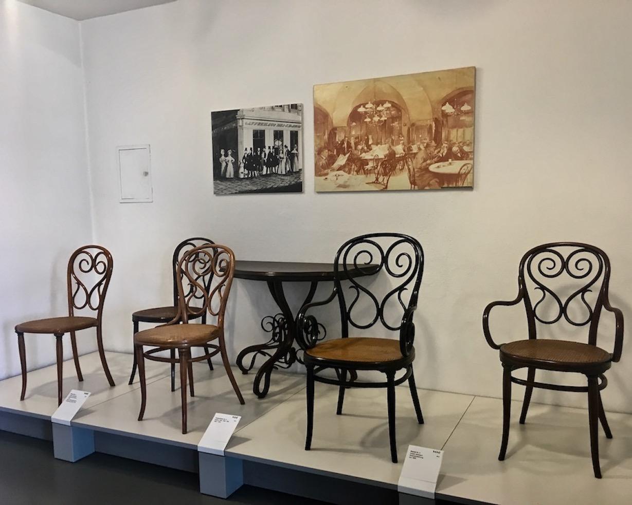 Thonet-Museum Bugholzmöbel Bauhaus-Möbel Frankenberg(Eder) Anfänge mit Wienerkaffeehausstuhl