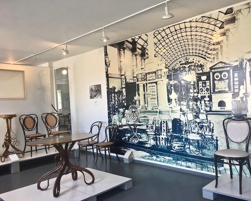 Thonet-Museum Bugholzmöbel Bauhaus-Möbel Frankenberg(Eder) Wiener-Kaffeehaus-Stuhl