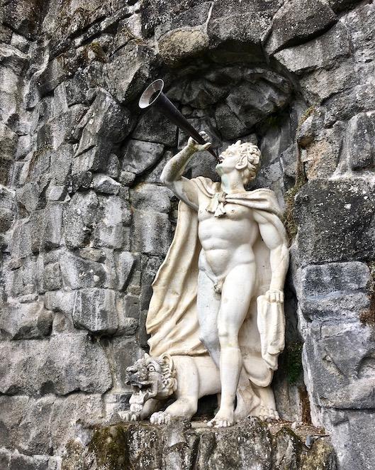 Wasserspiele Bergpark Kassel Faun-Figur
