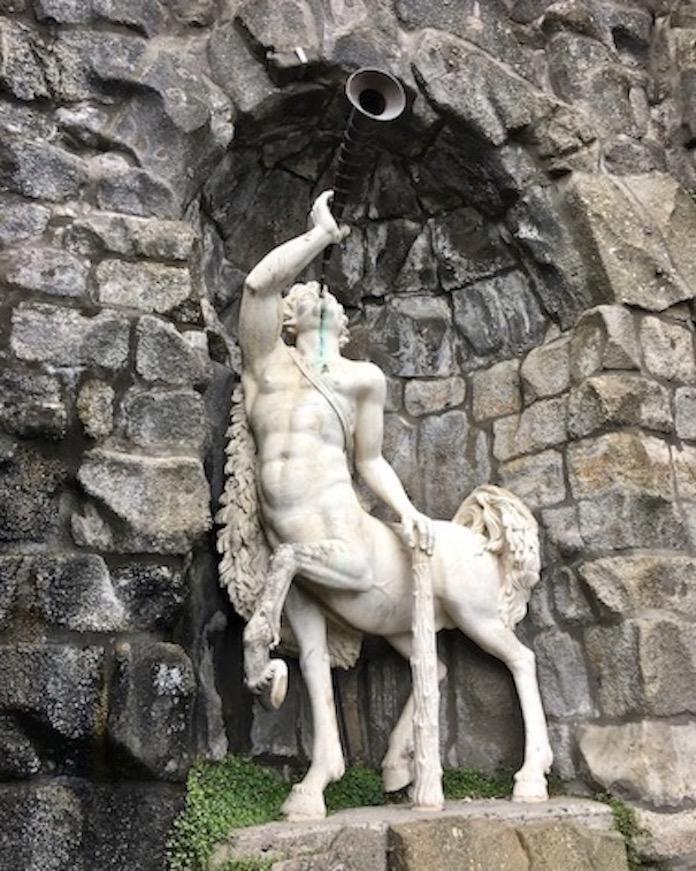 Wasserspiele Bergpark Kassel Zentaur-Figur