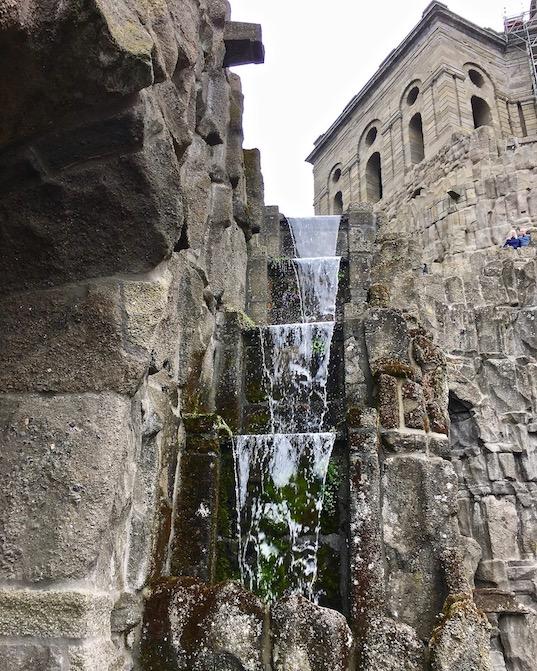 Wasserspiele Bergpark Wilhelmshöhe erste Wassertreppen