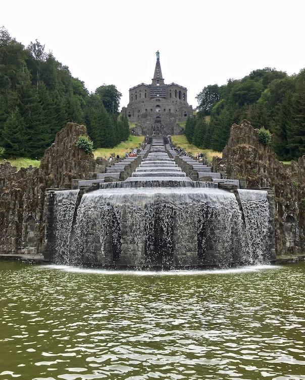Wasserspiele Bergpark Wilhelmshöhe vom Wasser verdeckter Neptun