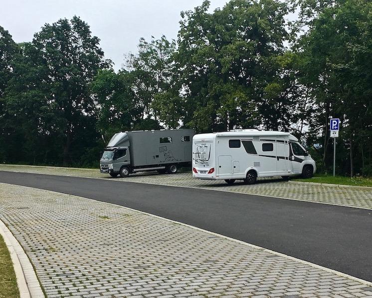 Wohnmobilsstellplatz mole-on-tour Am Bergpark Wilhelmshöhe Kassel