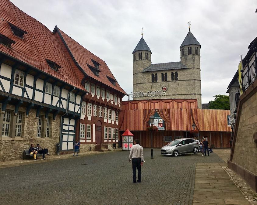 Marktplatz mit Stiftskirche St.Anastasius Bad Gandersheim Deutschland