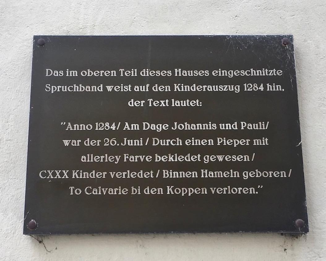 Rattenfängerstadt Hameln Tafel an Rattenfänger-Haus