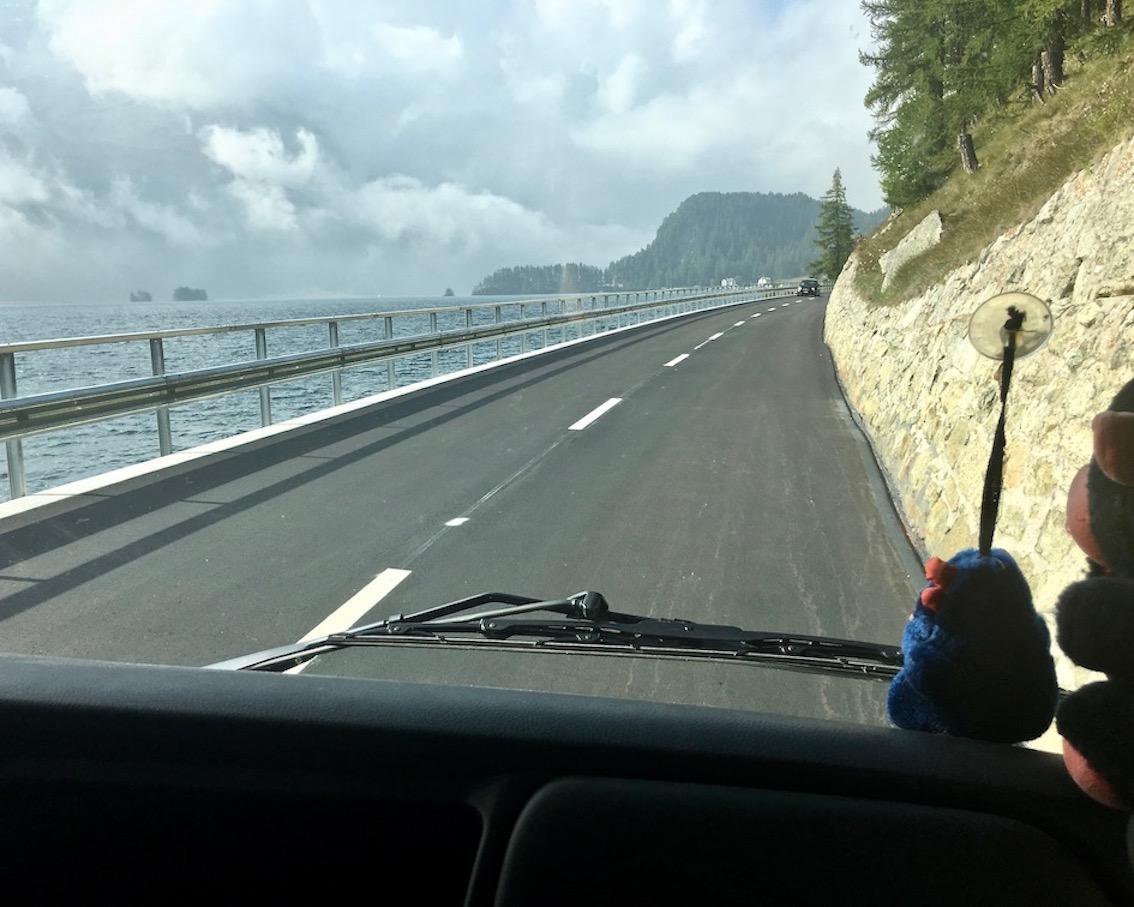 Am Silvaplanasee Schweiz entlang