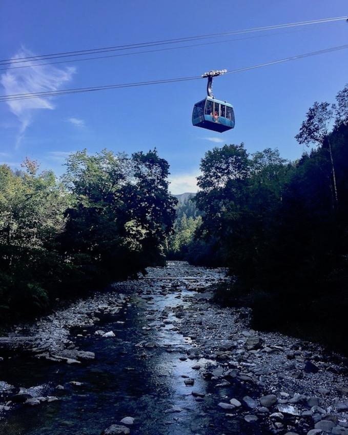 Bergseilbahn über der Dornbirner Ache zu Karren Österreich