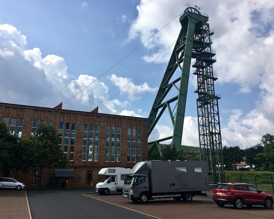 Förderturm am Besucherbergwerk Merkers in Thüringen