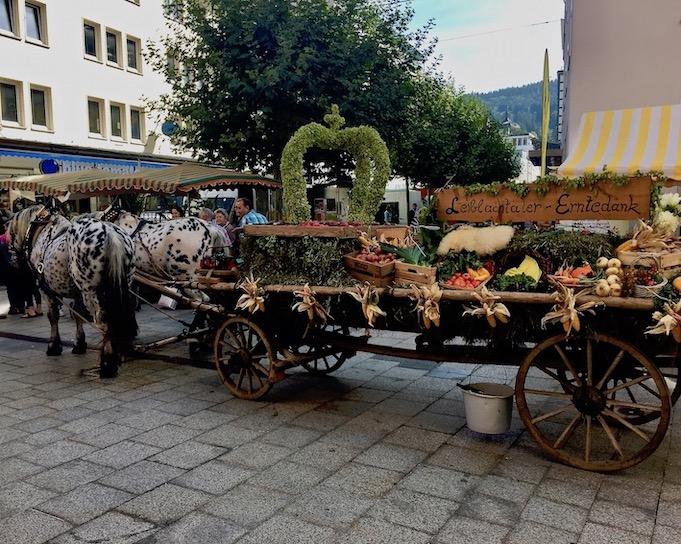 Leiblachtaler-Erntedankwagen in Bregenz Bodensee
