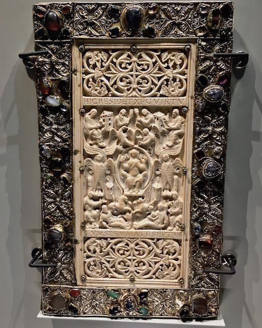 Prunkeinband Evangelium Longum Stiftsbibliothek St.Gallen Schweiz