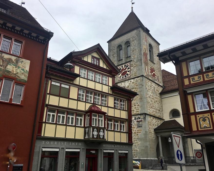 Rathaus und St.Mauritius-Kirche Appenzell Schweiz