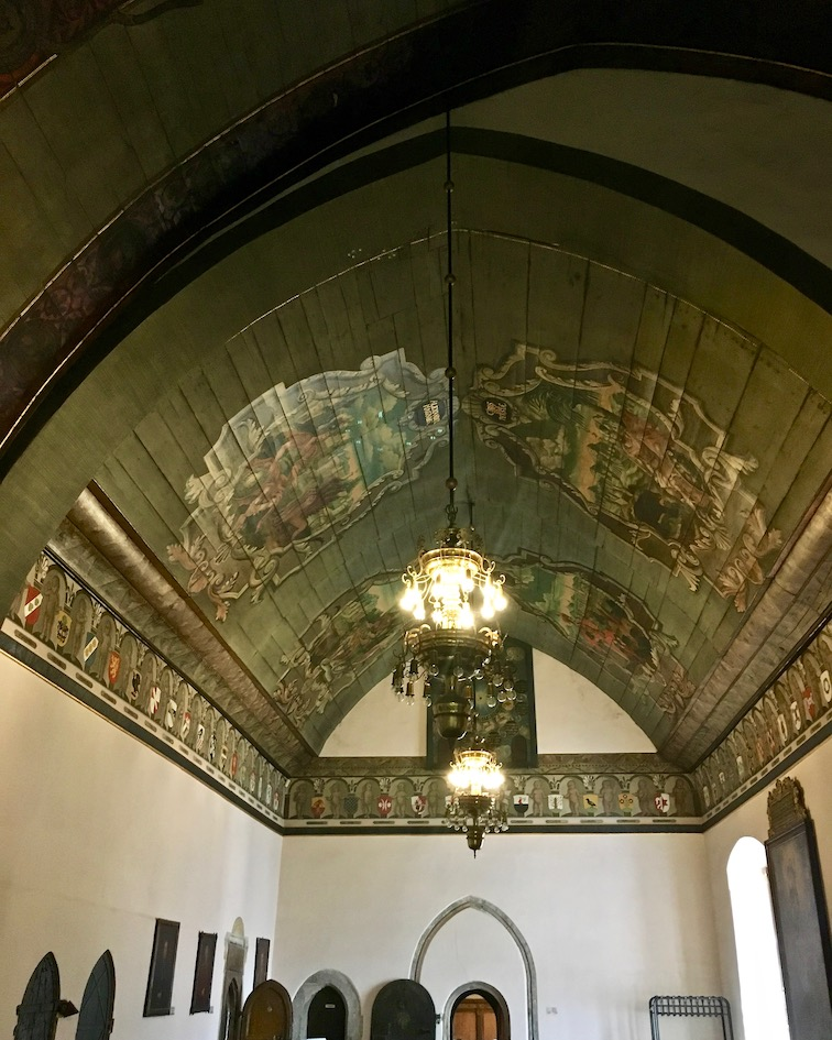 Rathaushalle Mühlhausen Thüringen hölzernes-Tonnengewölbe mit Barockermalerei