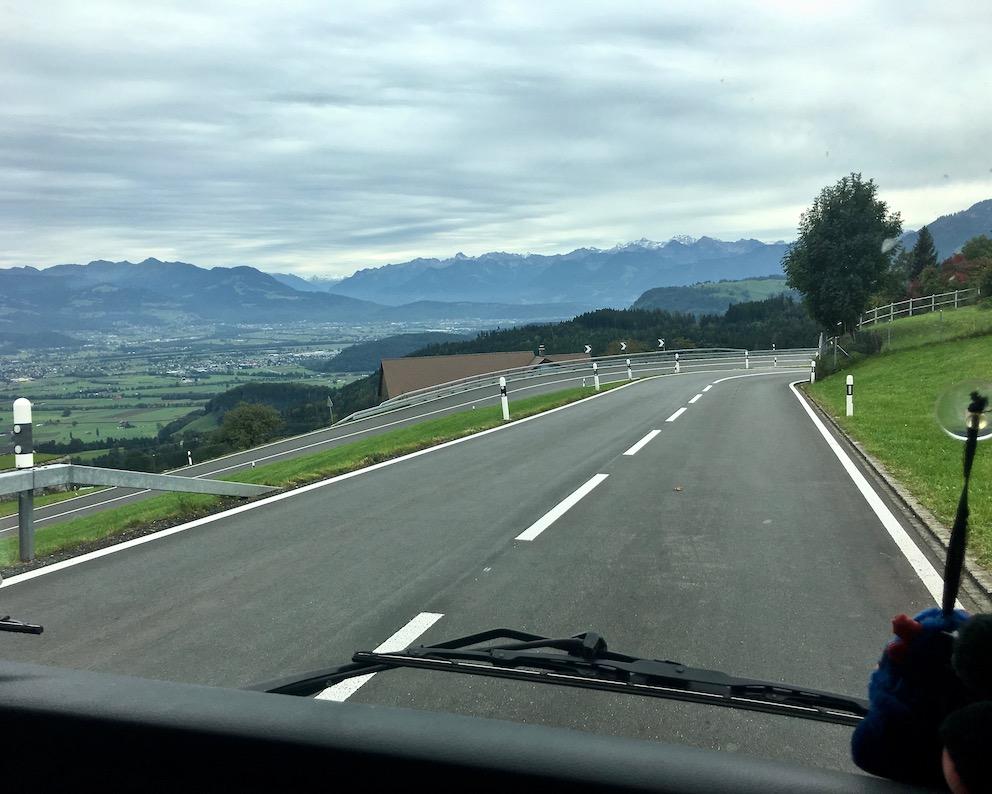 Serpentinen zum Rheintal