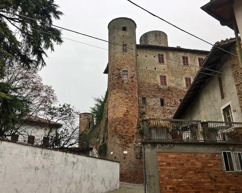 Castiglione Falletto Piemont Italien
