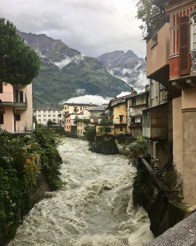 Chiavenna Blick auf Fluß Mera Italien