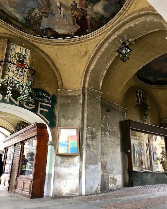 Eingangstor Porta Santa Maria Saluzzo Piemont Italien