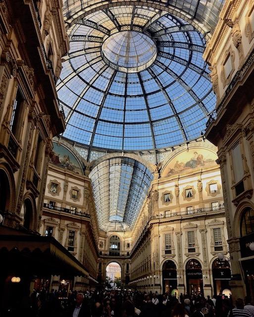 Galleria Vittorio Emanuele II Mittelpunkt mit Glaskuppel Mailand Italien